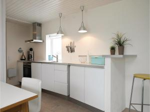 Two-Bedroom Holiday Home in Pandrup, Case vacanze  Rødhus - big - 16