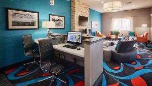 Best Western Plus Lonestar Inn & Suites, Hotels  Colorado City - big - 18