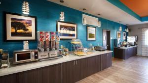Best Western Plus Lonestar Inn & Suites, Hotels  Colorado City - big - 20