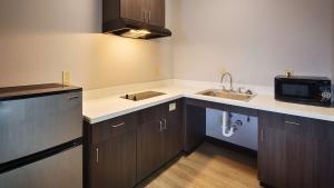 Best Western Plus Lonestar Inn & Suites, Hotels  Colorado City - big - 32