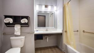 Best Western Plus Lonestar Inn & Suites, Hotels  Colorado City - big - 33