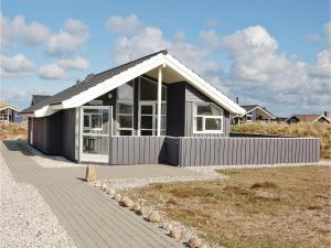 Holiday home Bjerregårdsvej Denm, Nyaralók  Bjerregård - big - 10