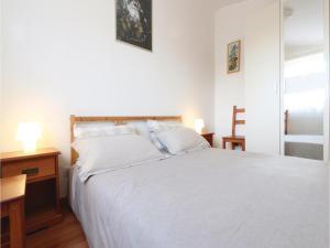 Two-Bedroom Apartment in Banjole, Apartmanok  Banjole - big - 2