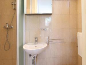 Two-Bedroom Apartment in Banjole, Apartmanok  Banjole - big - 13