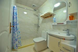 Zhaoxiahong Art hotel, Проживание в семье  Wujiaqiao - big - 240