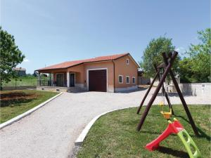 Holiday Home Tinjan 06, Дома для отпуска  Tinjan - big - 18