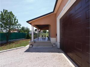 Holiday Home Tinjan 06, Дома для отпуска  Tinjan - big - 23
