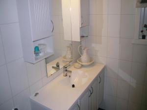 Holiday home Gjemnes 29, Prázdninové domy  Torvikbukt - big - 3