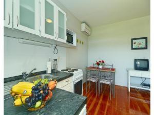Apartment Tinjan P-535, Апартаменты  Tinjan - big - 18