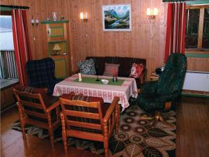 Holiday home Eina Strande, Nyaralók  Dyrrud - big - 2