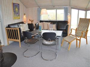 Holiday home Klægdalen, Holiday homes  Halkær - big - 6