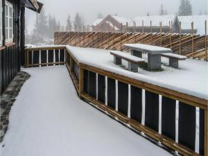 Five-Bedroom Holiday Home in Lillehammer, Holiday homes  Lillehammer - big - 3