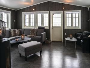 Five-Bedroom Holiday Home in Lillehammer, Holiday homes  Lillehammer - big - 14