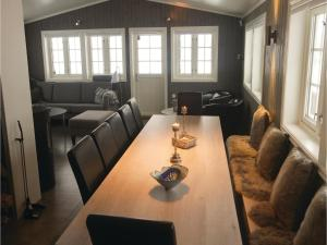 Five-Bedroom Holiday Home in Lillehammer, Holiday homes  Lillehammer - big - 15
