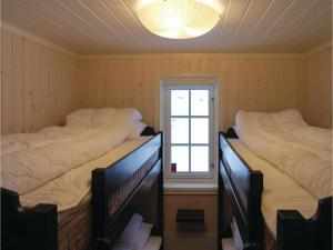 Five-Bedroom Holiday Home in Lillehammer, Holiday homes  Lillehammer - big - 10