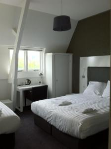 Small Triple Room