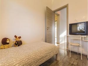 Three-Bedroom Holiday home Marcana with a Fireplace 09, Nyaralók  Marčana - big - 20