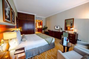 Ettromsleilighet med king-size-seng