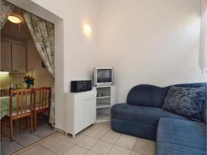 Two-Bedroom Apartment 0 in Porec, Apartmanok  Poreč - big - 11
