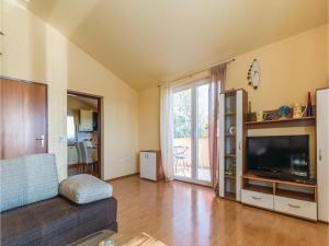 Two-Bedroom Apartment in Zbandaj, Apartmanok  Žbandaj - big - 10
