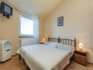 Two-Bedroom Apartment in Zbandaj, Apartmanok  Žbandaj - big - 5