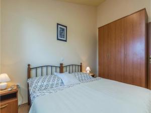 Two-Bedroom Apartment in Zbandaj, Apartmanok  Žbandaj - big - 6