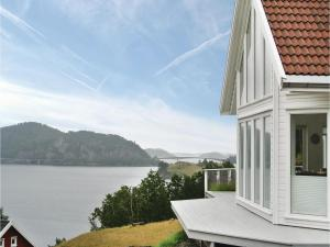 Four-Bedroom Holiday Home in Farsund, Dovolenkové domy  Farsund - big - 1