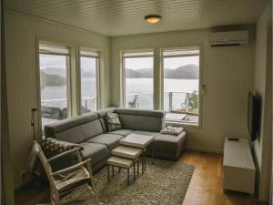 Four-Bedroom Holiday Home in Farsund, Dovolenkové domy  Farsund - big - 10