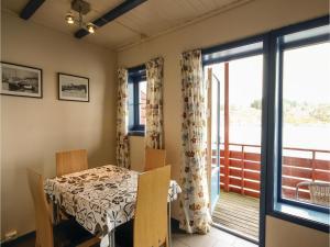 Two-Bedroom Apartment in Tjeldsto, Ferienwohnungen  Tjeldstø - big - 2