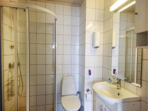 Two-Bedroom Apartment in Tjeldsto, Ferienwohnungen  Tjeldstø - big - 7