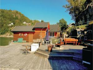 Four-Bedroom Holiday Home in Farsund, Case vacanze  Farsund - big - 11