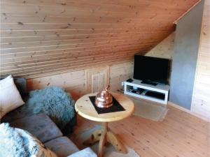 Four-Bedroom Holiday Home in Farsund, Case vacanze  Farsund - big - 8