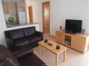 Apartment Bulevar 02, Apartmanok  La Molata - big - 5