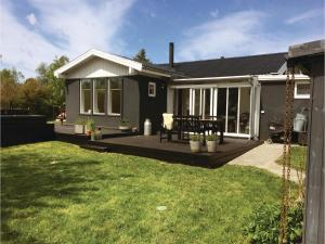 Three-Bedroom Holiday Home in Kirke Hyllinge, Holiday homes  Kirke-Hyllinge - big - 1