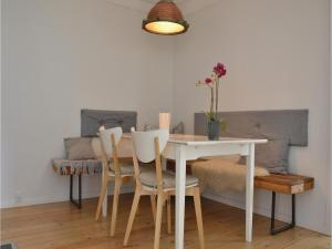 Three-Bedroom Holiday Home in Kirke Hyllinge, Holiday homes  Kirke-Hyllinge - big - 3