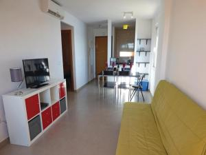 Two-Bedroom Apartment in Roldan, Apartmány  Roldán - big - 11