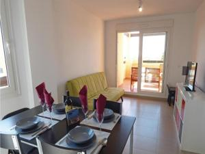 Two-Bedroom Apartment in Roldan, Apartmány  Roldán - big - 9