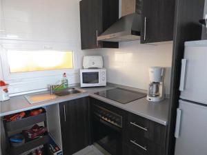 Two-Bedroom Apartment in Roldan, Apartmanok  Roldán - big - 17