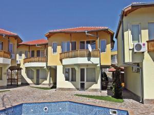 Two-Bedroom Holiday Home in Balchik, Case vacanze  Karvuna - big - 1
