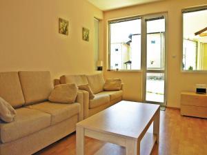 Two-Bedroom Holiday Home in Balchik, Case vacanze  Karvuna - big - 3