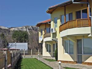 Two-Bedroom Holiday Home in Balchik, Дома для отпуска  Karvuna - big - 10
