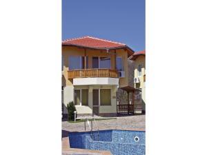 Two-Bedroom Holiday Home in Balchik, Case vacanze  Karvuna - big - 9