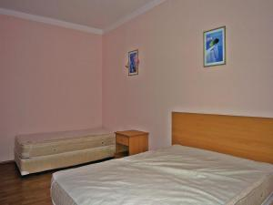 Two-Bedroom Holiday Home in Balchik, Case vacanze  Karvuna - big - 5