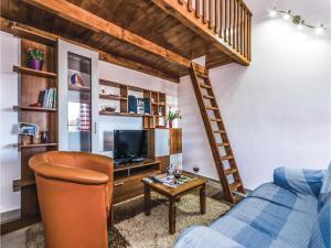 Two-Bedroom Apartment in Pula, Apartmanok  Póla - big - 12