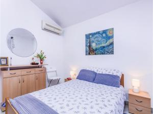 Two-Bedroom Apartment in Pula, Apartmány  Pula - big - 8