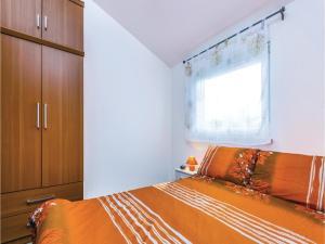 Two-Bedroom Apartment in Pula, Apartmanok  Póla - big - 6