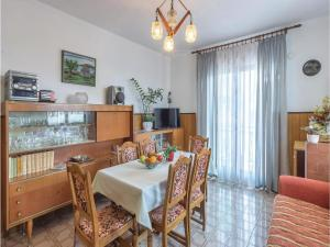 Two-Bedroom Apartment in Pula, Apartmány  Pula - big - 10