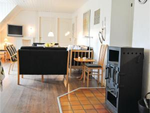 Holiday home Vester Storetoft Fanø XII, Holiday homes  Sønderho - big - 9