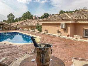 Four-Bedroom Holiday Home in Calafell, Case vacanze  Calafell - big - 1
