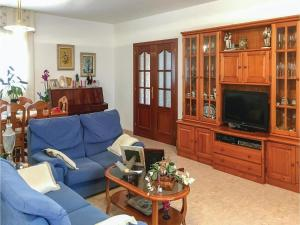 Four-Bedroom Holiday Home in Calafell, Case vacanze  Calafell - big - 15